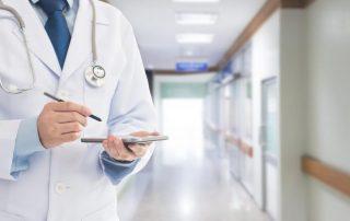 Ubezpieczenia zdrowotne: pandemia skłania do zakupu prywatnych
